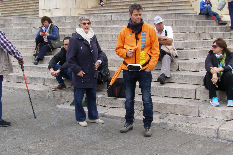El guía os espera en la Catedral