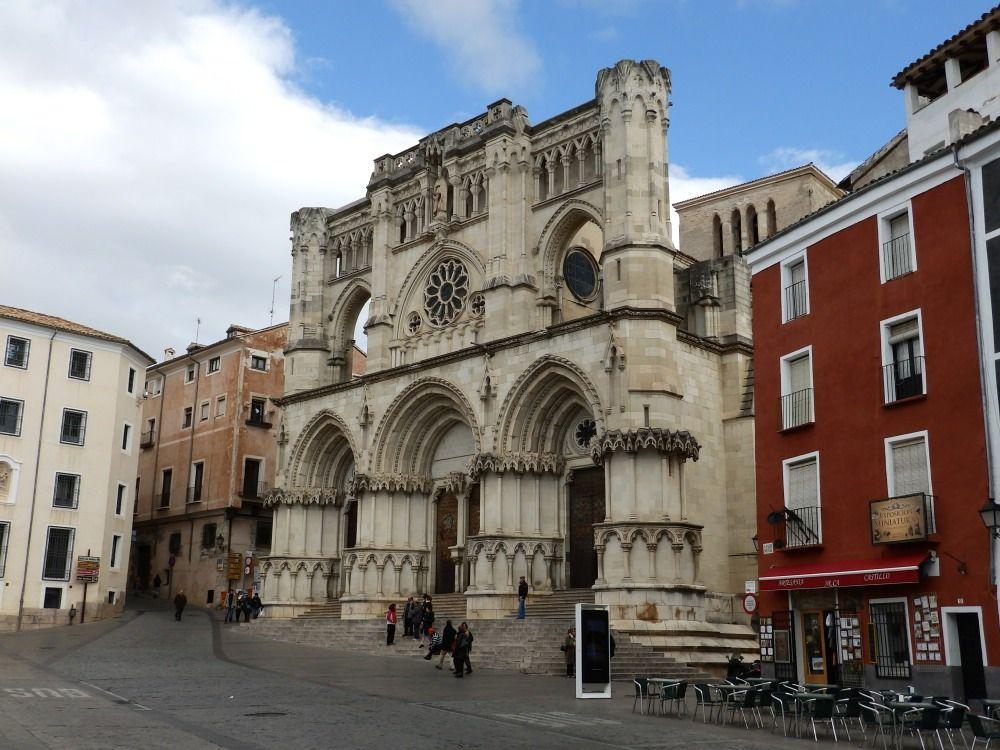 Catedral en la Plaza Mayor de Cuenca
