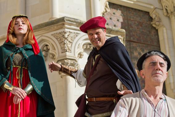 Visita Teatralizada en las Escaleras de la Catedral