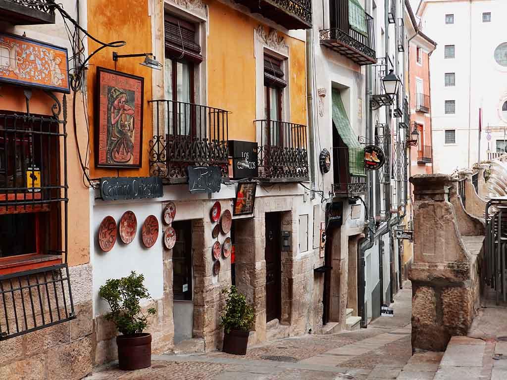 La Calle Pilares