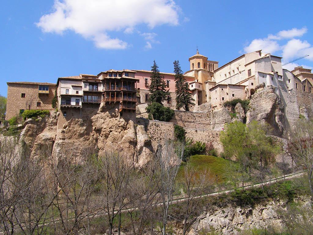 Subida a las Casas Colgadas de Cuenca